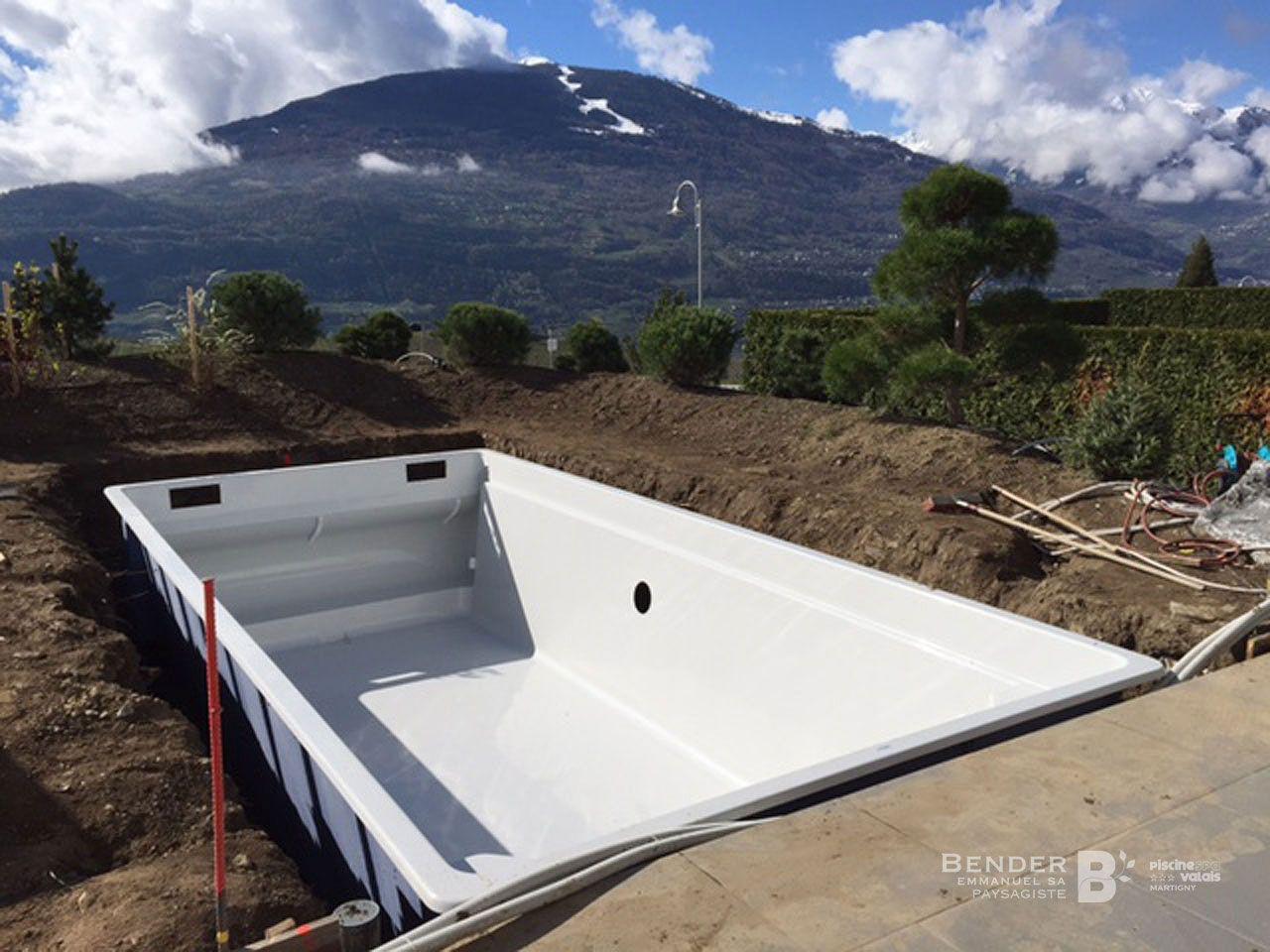 piscine samoaroll grimisuat nos r alisations bender paysagisme. Black Bedroom Furniture Sets. Home Design Ideas