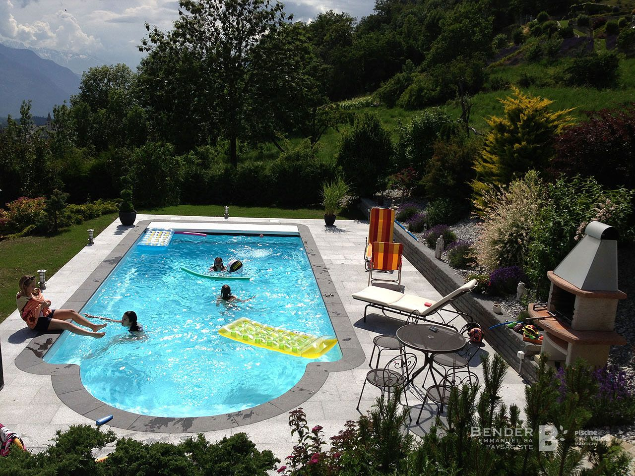 Nos r alisations bender paysagisme for Meilleure piscine coque